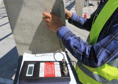 _0009_16 - Ensayo de ultrasonidos en un pilar de hormigón