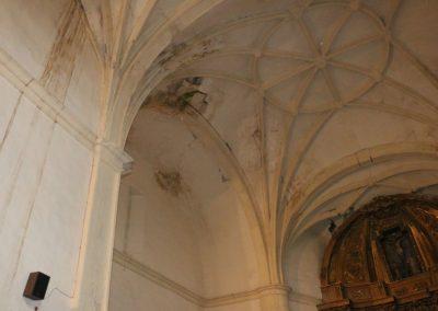 _0012_13 - Agrietamientos en la bóveda de una iglesia